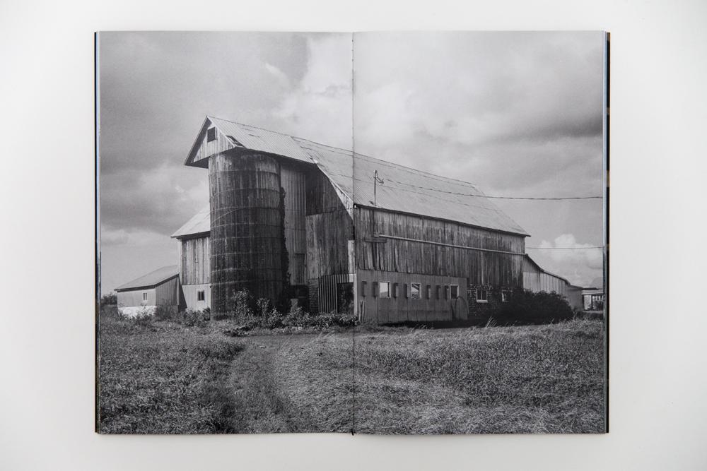 barn_raising_inside_gil_01